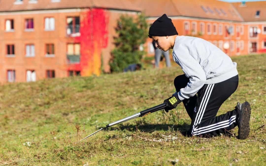 Ukrudtsmillioner skaber grønne fritidsjobs til byens rødder